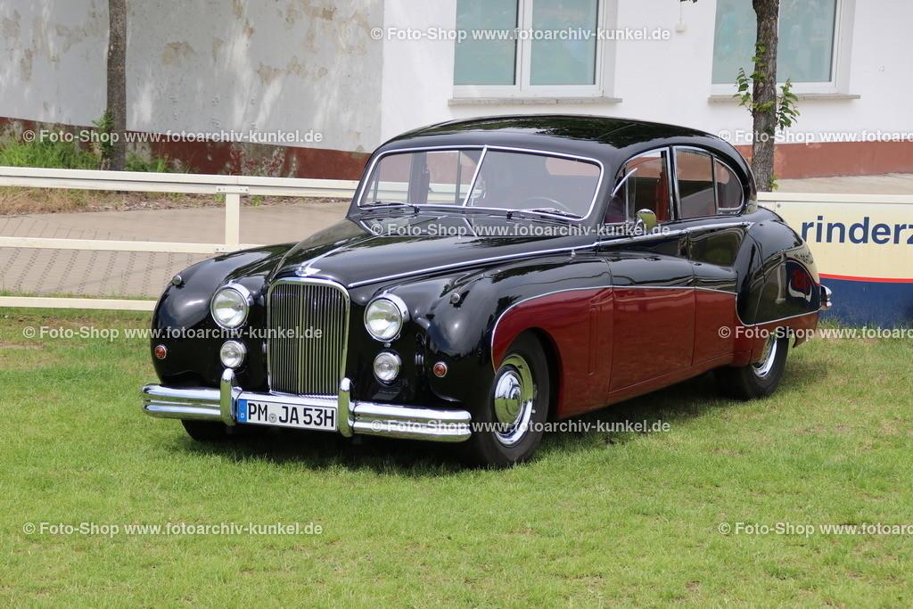 Jaguar Mark VII 4 door Saloon, Limousine 4 Türen, 1953 (1950-1956) | Jaguar Mk VII 4dr Saloon, Limousine 4 Türen, Farben: Weinrot/Schwarz, Baujahr 1953, Bauzeit des Jaguar Mark VII: 1950-56, Motor: 6-Zylinder-Reihenmotor, DOHC; Hubraum 3442 cm³, Leistung 160 bhp, Vmax. 165 km/h, GB, Großbritannien, UK, United Kingdom, England