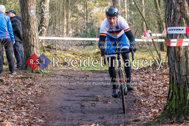 Radsport, Stevens Cyclocross Cup 2019, 10. Lauf (RSG Nordheide), Rennen 9 (Elite Herren + U23, Masters 2 / Elite Ü40 und Junioren U19), Buchholz i.d.N., 19.01.2020 | Stefan Danowski (RG BSV Hamburg, #3, Elite)