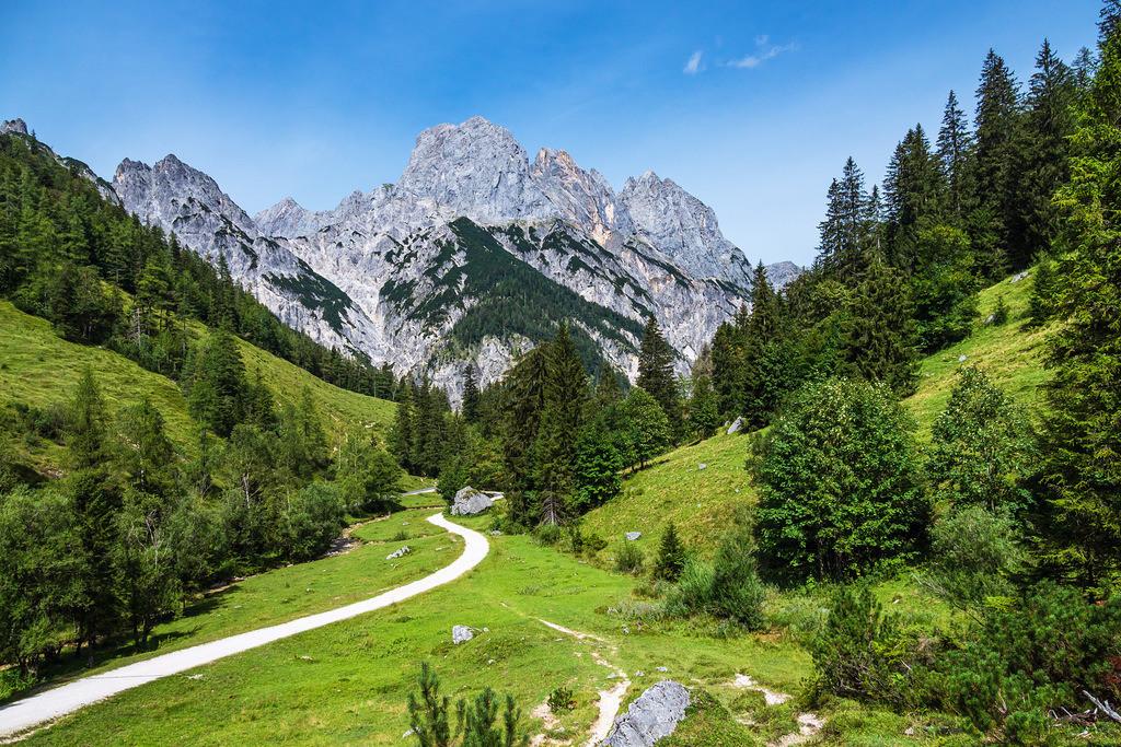 Blick auf die Bindalm im Berchtesgadener Land   Blick auf die Bindalm im Berchtesgadener Land.