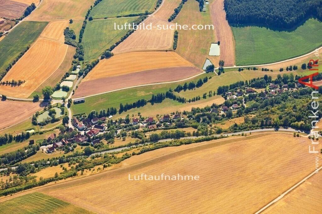 luftbild-neuhof-2015-5026   Luftbild von  Neuhof - Luftaufnahme wurde 2015 von https://frankenair.de mittels Flugzeug (keine Drohne) erstellt - die Geschenkidee