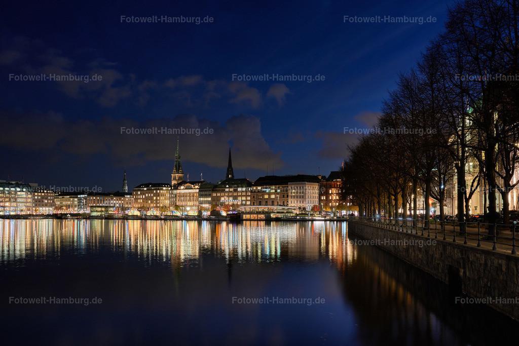 12034818 - Binnenalster und Rathaus bei Nacht