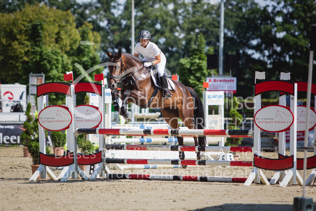 200819_Delbrück_Sprpf-A_2_1-264 | Delbrück Masters 2020 Springpferdeprüfung Kl. A** 4-6jährige Pferde