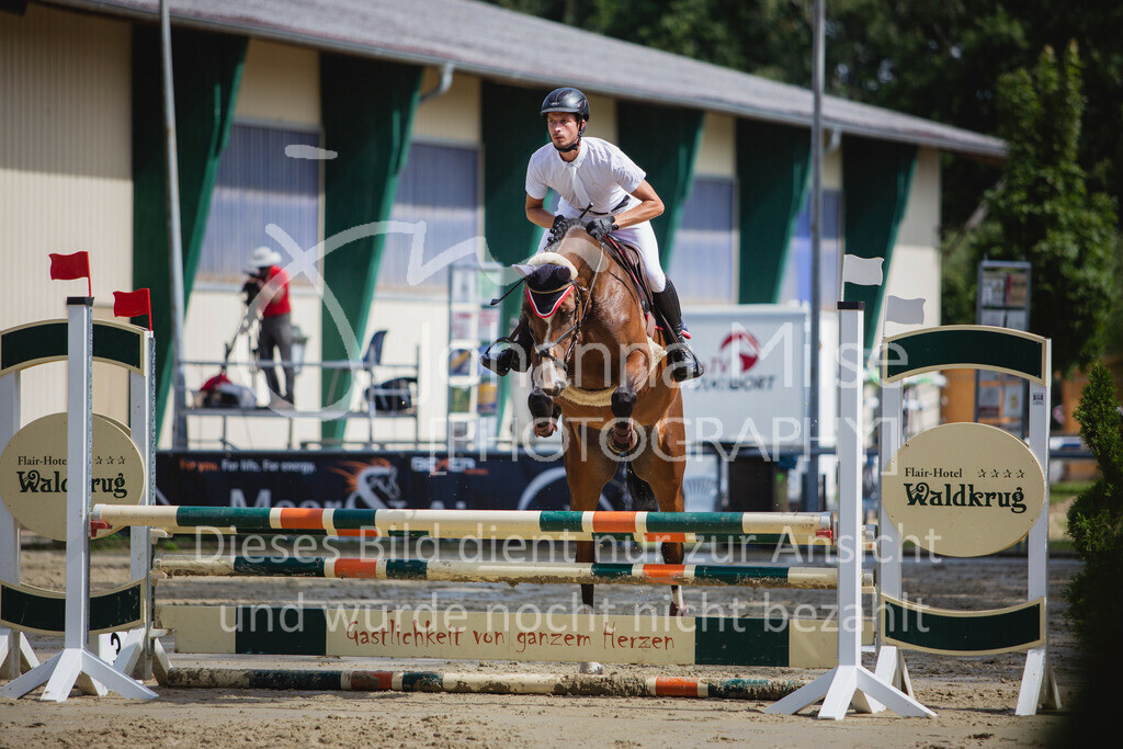 200819_Delbrück_Sprpf-A_1_2-055 | Delbrück Masters 2020 Springpferdeprüfung Kl. A* 4jährige Pferde