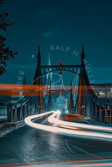 Neutorbrücke bei Nacht