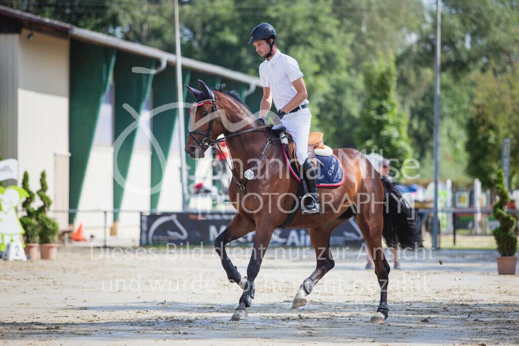 200819_Delbrück_Sprpf-A_1_2-027 | Delbrück Masters 2020 Springpferdeprüfung Kl. A* 4jährige Pferde