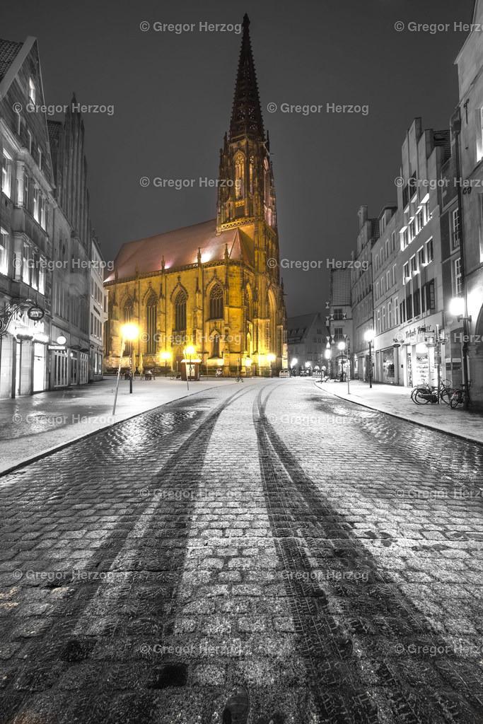 Lamberti im Schnee | Ein Foto aus dem neuen Kalender Münster erstrahlt 2020