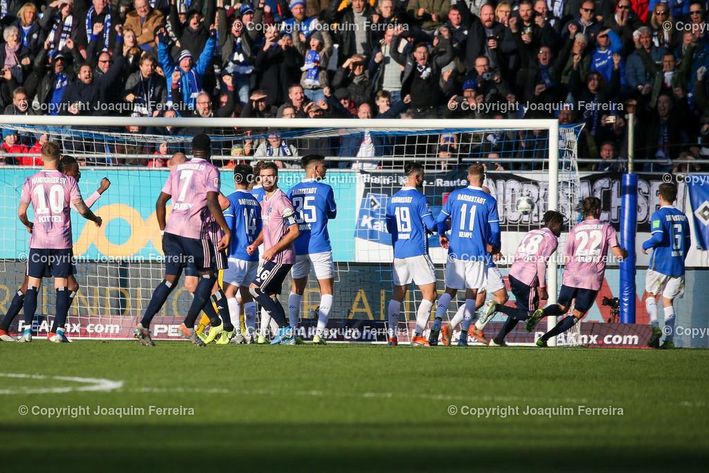 191221svdvshsv_0817 | 21.12.2019 Fussball 2.Bundesliga, SV Darmstadt 98-Hamburger SV emspor, despor  v.l.,  Bakery Jatta (Hamburger SV) Goal scored, Tor zum 1:2    (DFL/DFB REGULATIONS PROHIBIT ANY USE OF PHOTOGRAPHS as IMAGE SEQUENCES and/or QUASI-VIDEO)