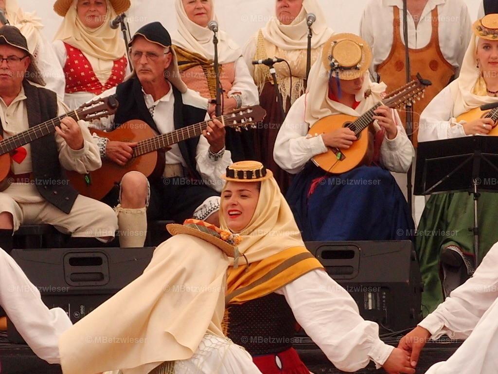 P5305931   Folklore und Tanz