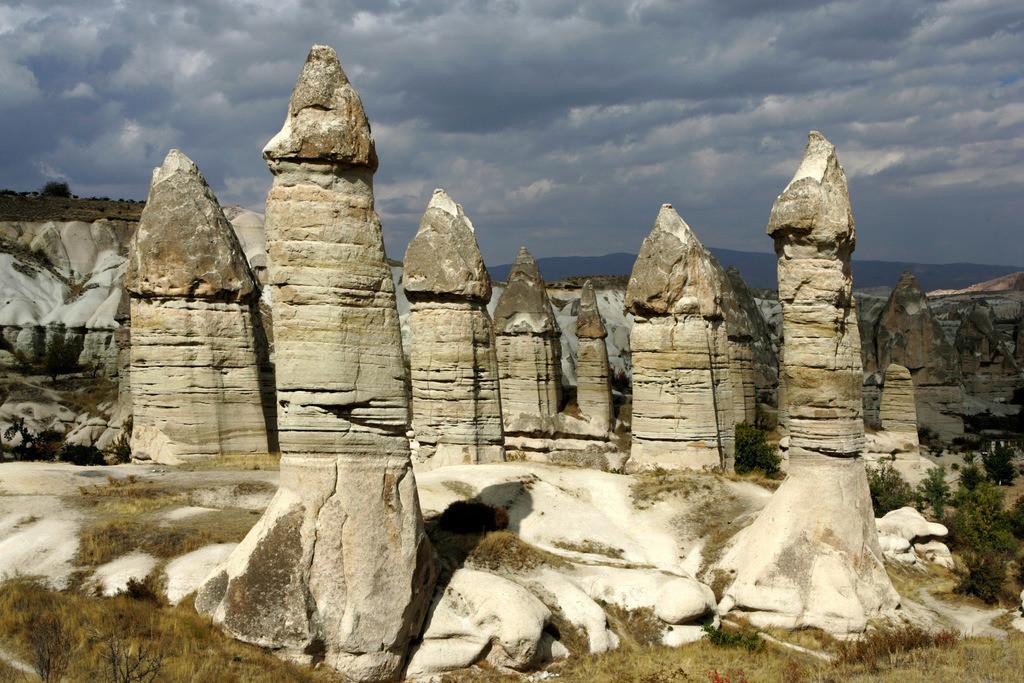 Kappadokien | Tuerkei, Kappadokien, Tuffsteinlandschaft mit bizarren Felsgebilden. Love Valley, zwischen Goereme und Uerguep.