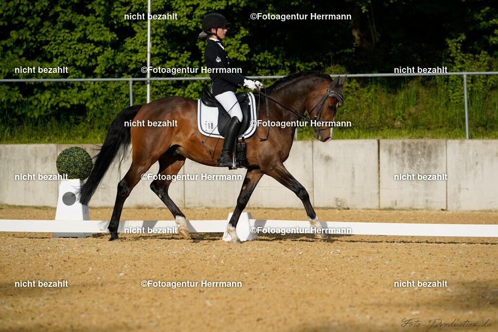 L_Foto-Production_Giesenbach2019_Starter118-21_Emilia-Winter_Der-Koenig-von-Mallorca