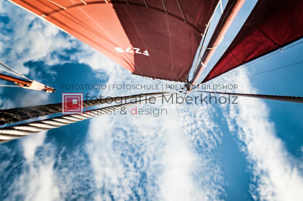 @Marko_Berkholz_mberkholz_MBE6860   Die Bildergalerie Zeesenboot   Maritim   Segel des Warnemünder Fotografen Marko Berkholz zeigt maritime Aufnahmen historischer Segelschiffe, Details, Spiegelungen und Reflexionen.