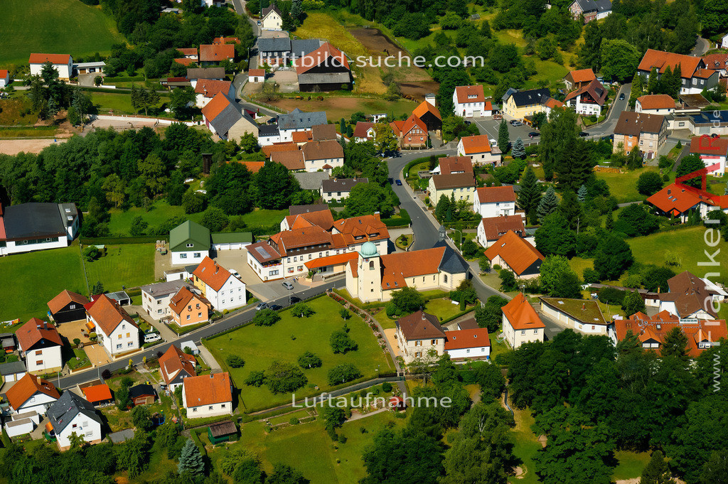 kirche-stockheim-2008-642 | Luftbild von Kirche Stockheim - Luftaufnahme wurde 2008 von https://frankenair.de mittels Flugzeug (keine Drohne) erstellt - die Geschenkidee
