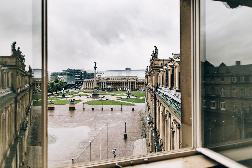 Das Fenster zum Hof_HQ