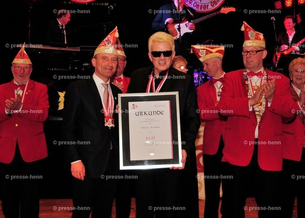 Heino & OB Geisel | Heino und OB Thomas Geisel erhielten eine Ehrenurkunde der KG Onger-Ons