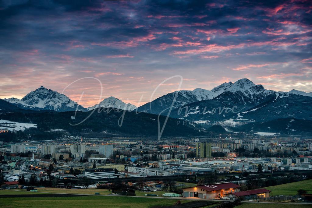 Sonnenuntergang | Abendstimmung mit schönen Wolken über Innsbruck