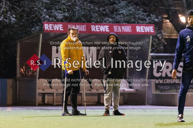 Nach Pandemie- und Winterpause darf der FC Teutonia 05 endlich das Training am Sportplatz Kreuzkirche wieder aufnehmen | Semir Svraka (Torwart, Teutonia), Daniel Koppel (Betreuer, Teutonia)