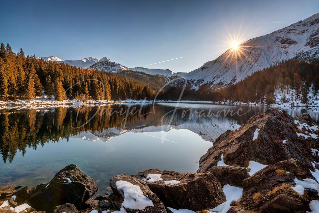 Obernberger See   Sonnenuntergang am herbstlichen Obernberger See