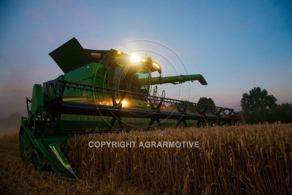 20120817-_MG_8783 | Weizenernte in der Dämmerung