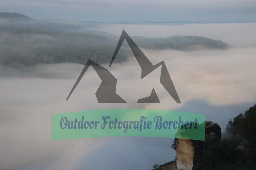 Bastei_Wartturm_altIMG_1178 | Blick von der Bastei zum Wartturm über Nebel verhangene Elbe