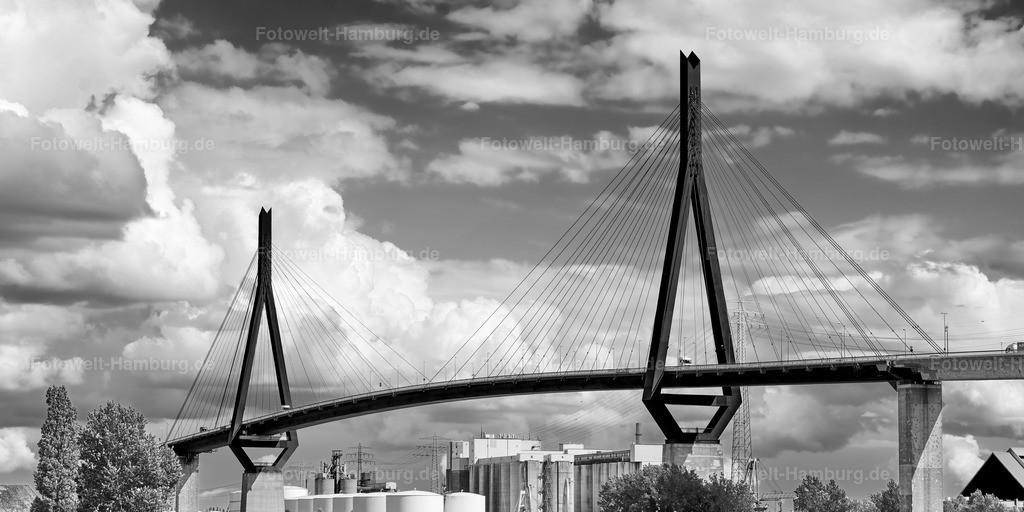 10200718 - Blick auf die Köhlbrandbrücke | Die Köhlbrandbrücke im Hamburger Hafen, hier eindrucksvoll in schwarzweiß festgehalten.