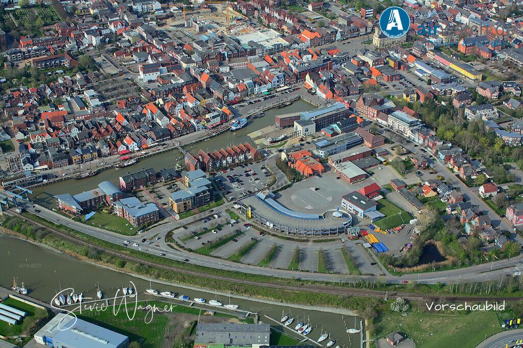 Luftbild Husum, Binnenhafen, Hafenstr., Gaswerkstr | Luftbild Husum, Binnenhafen, Hafenstr., Gaswerkstr • max. 4272 x 2848 pix.