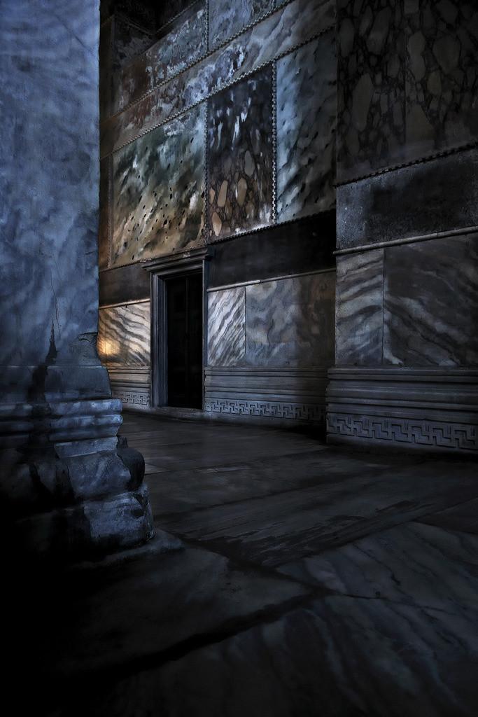 Hagia Sophia | Seitengang in der Hagia Sophia, Lichtreflexe auf Marmorflächen