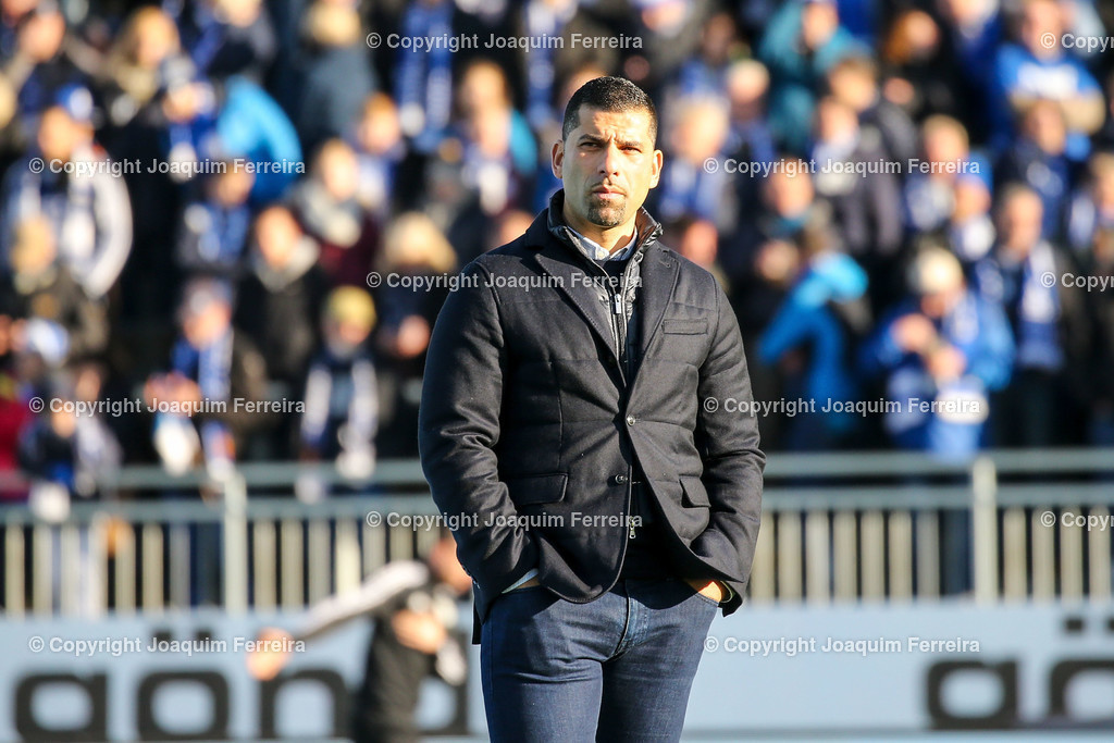 191221svdvshsv_0218 | 21.12.2019 Fussball 2.Bundesliga, SV Darmstadt 98-Hamburger SV emspor, despor  v.l.,  head coach, Trainer Dimitrios Grammozis (SV Darmstadt 98), enttaeuscht, enttaeuscht schauend, dissapointed    (DFL/DFB REGULATIONS PROHIBIT ANY USE OF PHOTOGRAPHS as IMAGE SEQUENCES and/or QUASI-VIDEO)