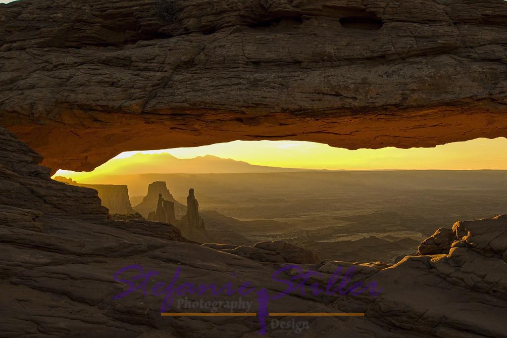 Blick auf verträumte Landschaft | Sonnenaufgang am Mesa Arch