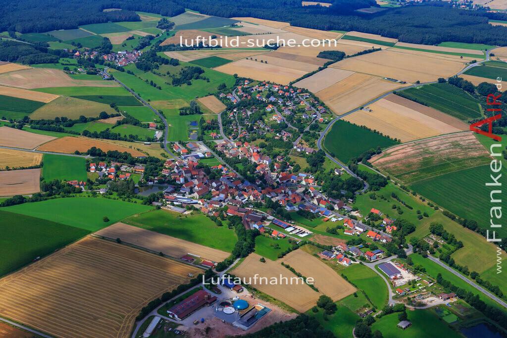 luftaufnahme-markt-taschendorf-17-4888 | Luftbild von  Markt-taschendorf - Luftaufnahme wurde 2017 von https://frankenair.de mittels Flugzeug (keine Drohne) erstellt - die Geschenkidee