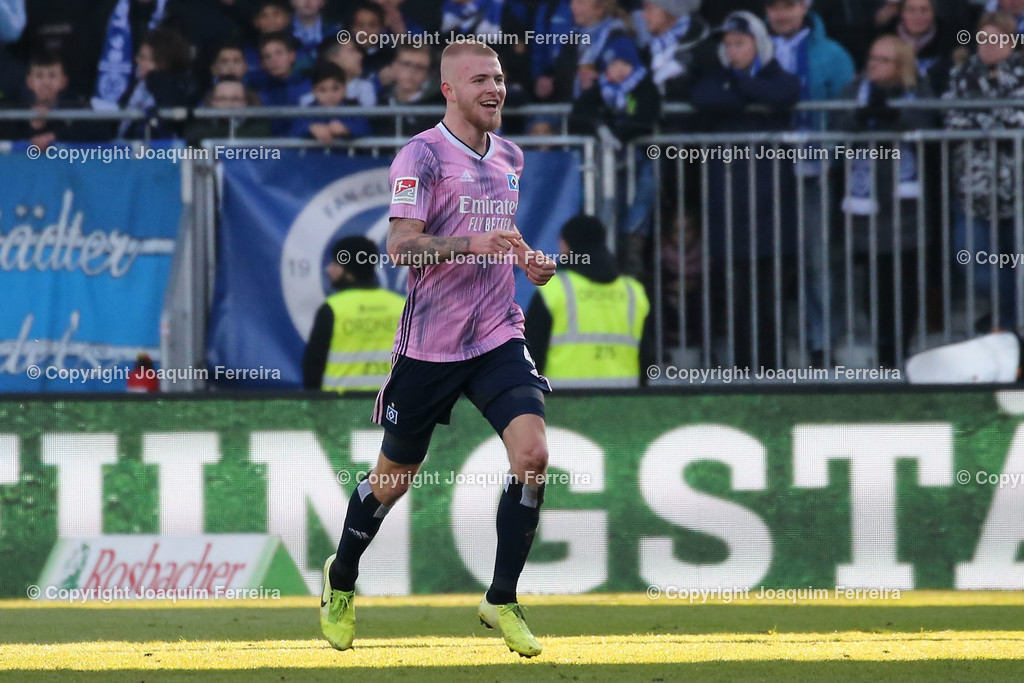191221svdvshsv_1366 | 21.12.2019 Fussball 2.Bundesliga, SV Darmstadt 98-Hamburger SV emspor, despor  v.l.,  Rick van Drongelen (Hamburger SV), Torjubel, Goal celebration, celebrate the goal, zu früh gefreut    (DFL/DFB REGULATIONS PROHIBIT ANY USE OF PHOTOGRAPHS as IMAGE SEQUENCES and/or QUASI-VIDEO)