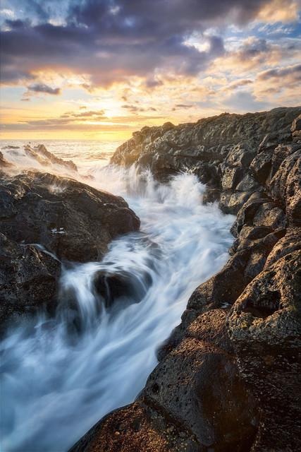 Elements | Hier an der Südküste La Palmas vereinen sich die Elemente Feuer, Wasser, Luft und Erde zu einer explosiven, farbenfrohen Mischung.