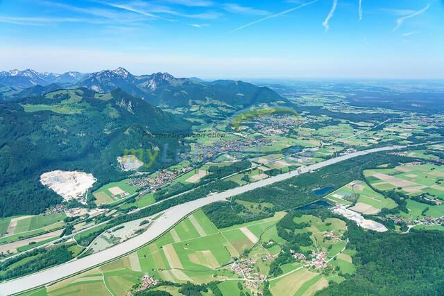luftbild-inntal-nussdorf-brannenburg-bruno-kapeller-04 | Luftaufnahme vom bayrischen Inntal zwischen Heuberg und Wendelstein an der Grenze zu Tirol.