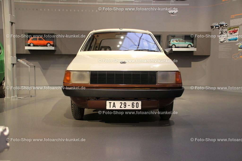Trabant 601 N (WE II) Studie, Funktionsmuster, 1982   Trabant 601 N (WE II) Studie, braun-creme, DDR-Kennzeichen TA 29 60, Baujahr 1982, Kompaktwagen mit 2 Türen und Heckklappe, IFA, Funktionsmuster, Prototyp