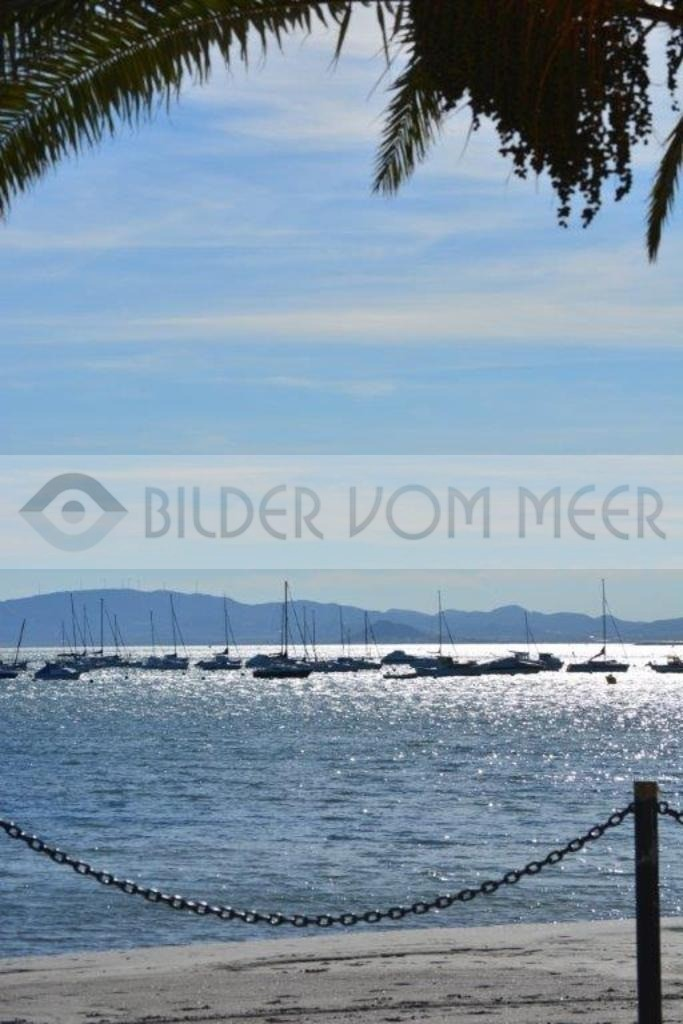 Strand Bilder vom Meer   Segelschiffe von der Promenade her