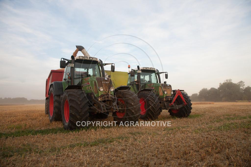20120817-_MG_8677 | Weizenernte in der Dämmerung