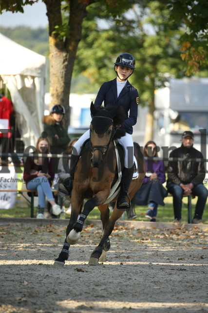 Rot am See_2021_Ponyspringprüfung_Kl.M_Cecilia Huttrop-Hage_Caramello 33 (1)