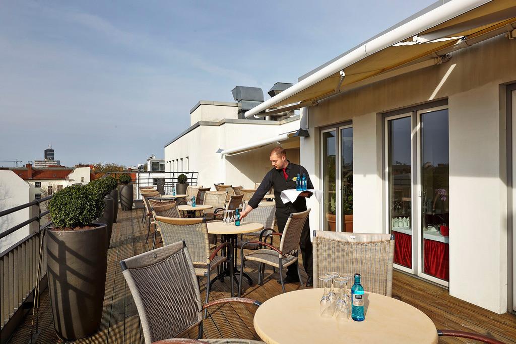 terrasse-03-hyperion-hotel-berlin