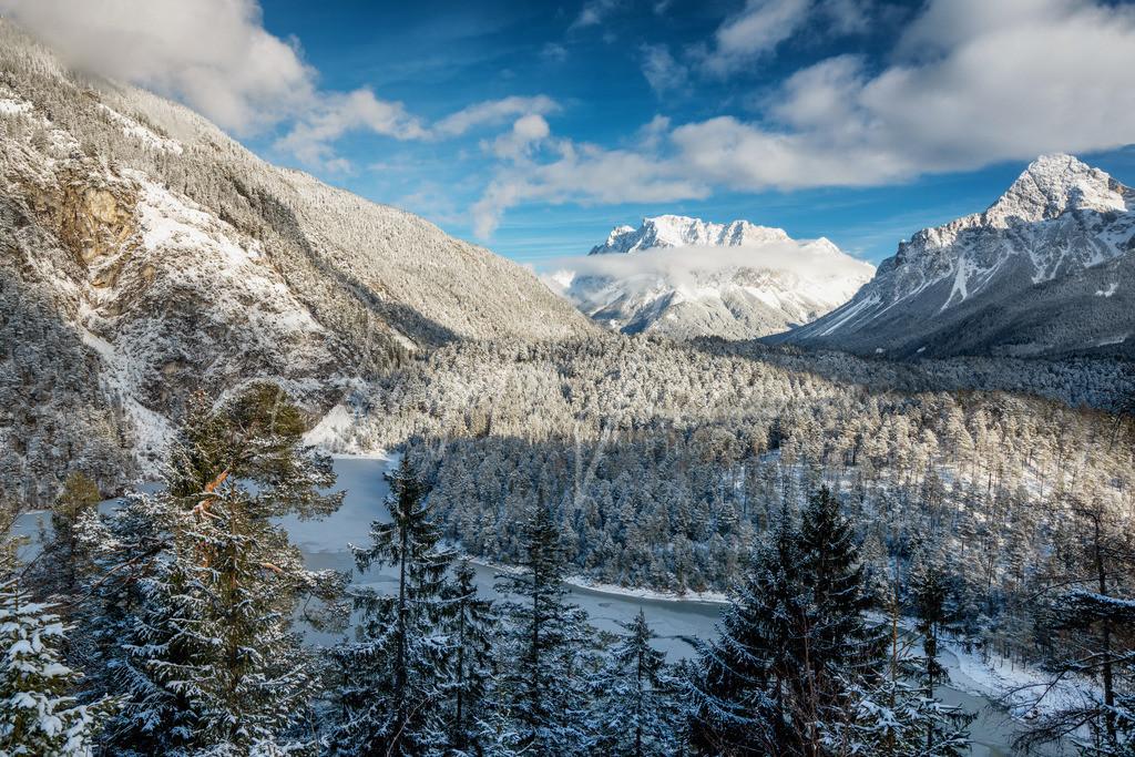 Blindsee | Gefrorener Blindsee mit Blick auf die Zugspitze
