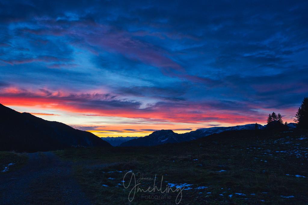 Dämmerung im Karwendel | Farbenpracht am Himmel in den frühen Morgenstunden im Karwendelgebirge