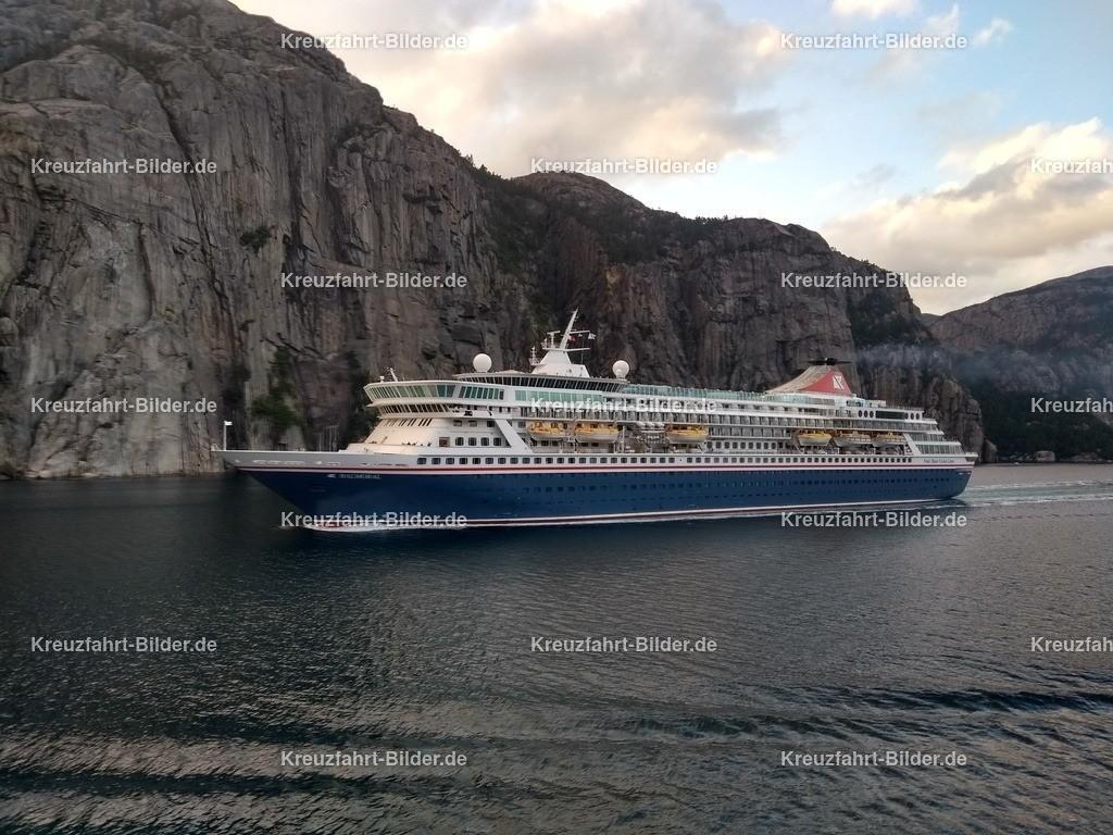 Balmoral im Lysefjord | Balmoral von der Fred Olson Cruises Lines im Lysefjord