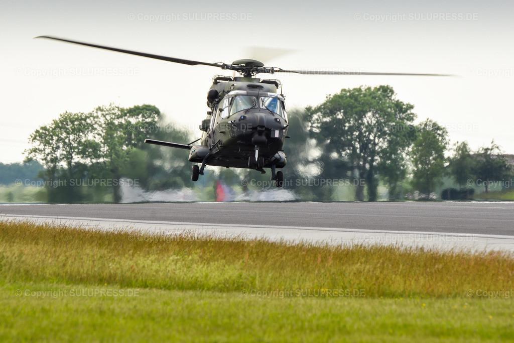 Spotterday in Jagel - NH90 Hubschrauber im Landeanflug   13.06.2019, zwei Tage vor dem Tag der Bundeswehr fand auf dem Fliegerhorst Schleswig des Taktischen Luftwaffengeschwaders 51 Immelmann, ehemals Marinefliegergeschwader 1 (MFG 1) bzw. Aufklärungsgeschwader 51 in Jagel, Schleswig-Holstein ein Spotterday statt, an dem Planespotter, Pressevertreter und Interessierte Transport-Flugzeuge, Kampfjets und Hubschrauber aus der Nähe fotografieren konnten. Deutscher NH90 78+36 im Landeanflug.