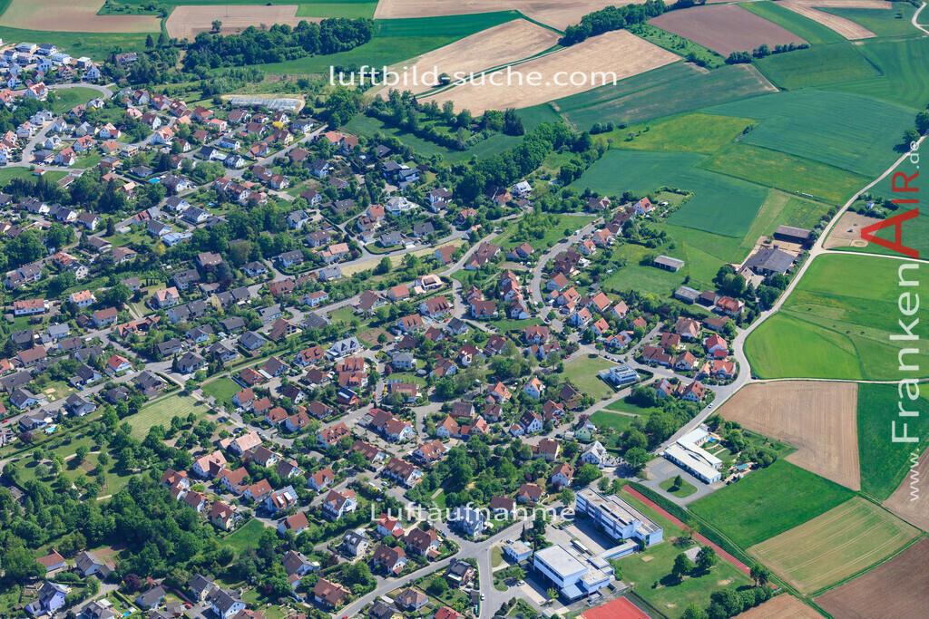 bischberg-18-340 | aktuelles Luftbild von  Bischberg - Luftaufnahme wurde 2018 von https://frankenair.de mittels Flugzeug (keine Drohne) erstellt.