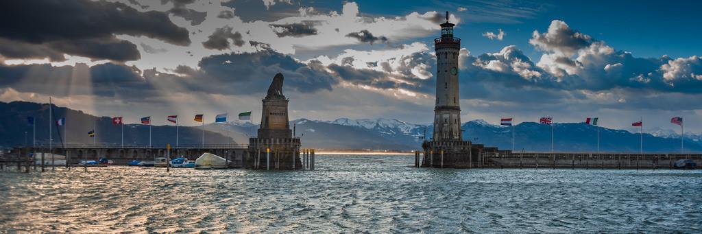 Hafeneinfahrt_Sturm-Sabine