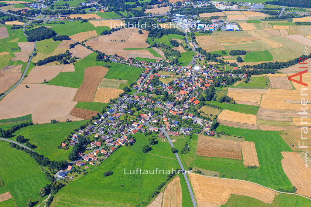 limmersdorf-thurnau-2016-8383   Luftbild von Limmersdorf Thurnau - Luftaufnahme wurde 2016 von https://frankenair.de mittels Flugzeug (keine Drohne) erstellt - die Geschenkidee