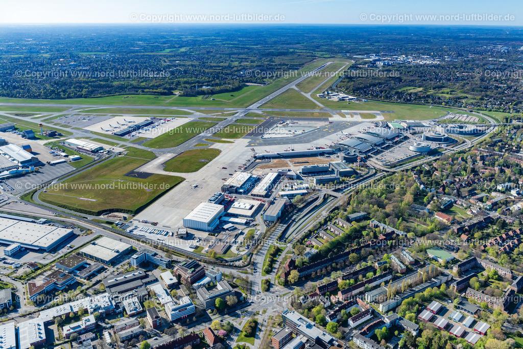 Hamburg Airport Fuhlsbüttel_ELS_5568180420 | Hamburg - Aufnahmedatum: 18.04.2020, Aufnahmehöhe: 441 m, Koordinaten: N53°37.227' - E10°01.086', Bildgröße: 7606 x  5070 Pixel - Copyright 2020 by Martin Elsen, Kontakt: Tel.: +49 157 74581206, E-Mail: info@schoenes-foto.de  Schlagwörter:Hamburg,Airport,Flughafen,Fuhlsbüttel,Landebahn,Terminal,Luftbild,Luftbilder,Deutschland