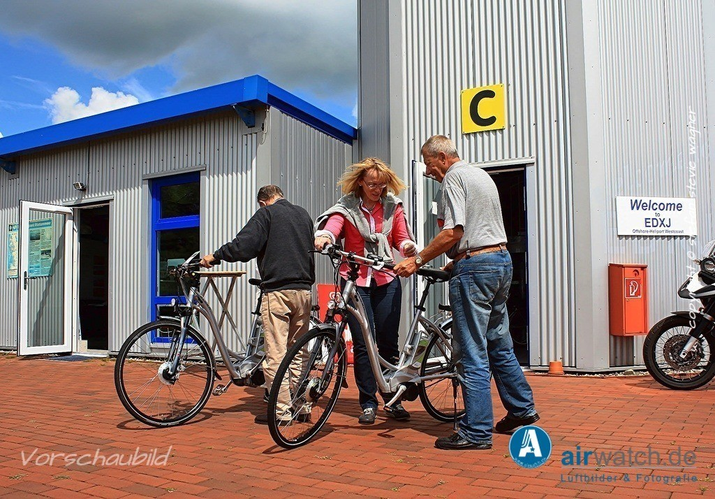 Flughafen Husum, Service-Team, Hasso v. Dammann, Juergen Wollenweber | Flughafen Husum, Service-Team • max. 4272 x 2848 pix