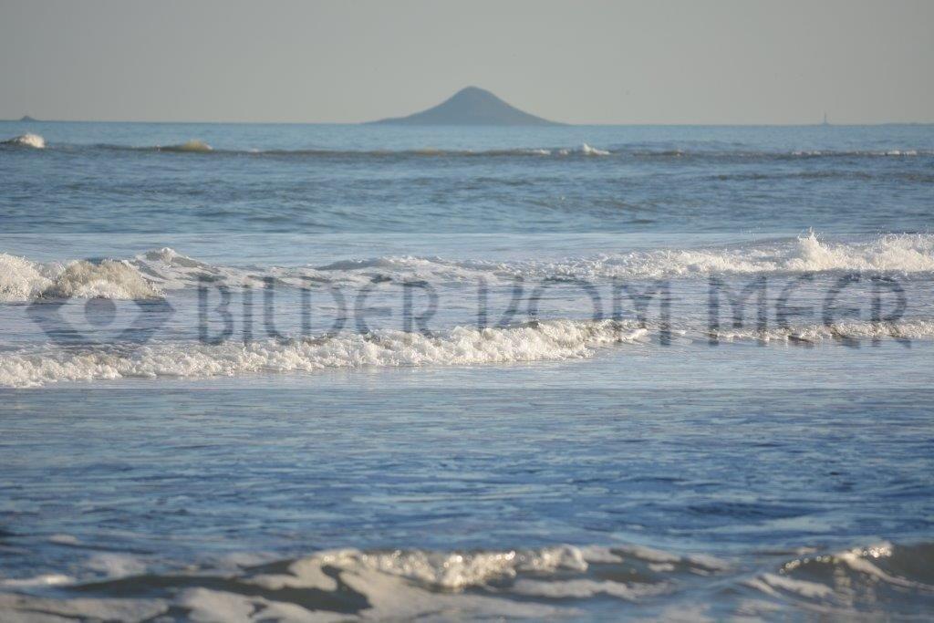 Bilder vom Meer als Wandbild Meer | Wandbild Meer: Wellen schlagen ans Ufer des Mar Menor