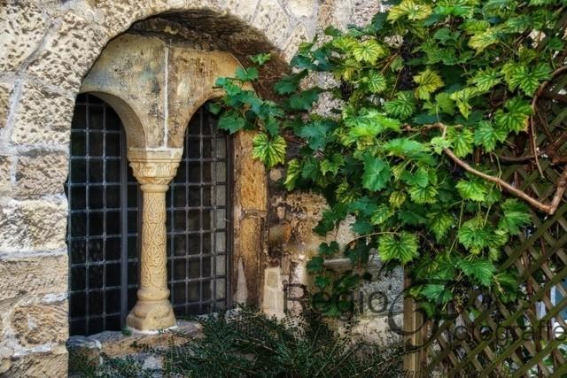 Romanisches Fenster | Romanisches Fenster an der Godehardikirche