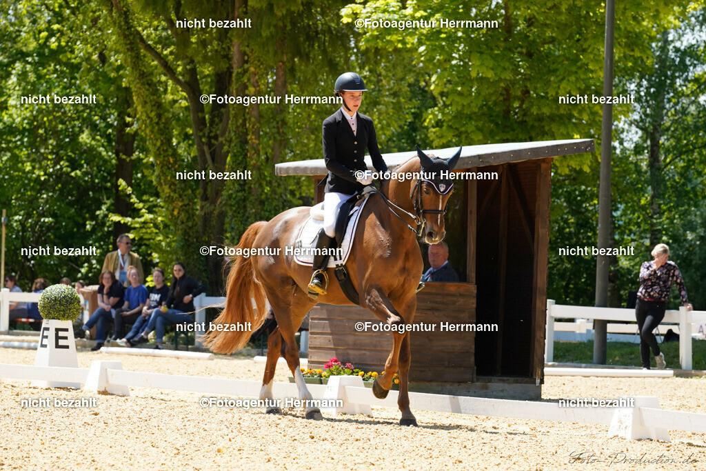 L_Foto-Production_Giesenbach2019_Starter033-10_Caroline-Wirth_Batita-de-Coco