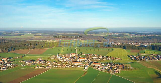 luftbild-nussdorf-chiemgau-bruno-kapeller-51   Luftaufnahme von Nußdorf im Chiemgau, Winter 2015. Das Dorf befindet sich ca.5 km vom Chiemsee entfernt, Landkreis Traunstein.